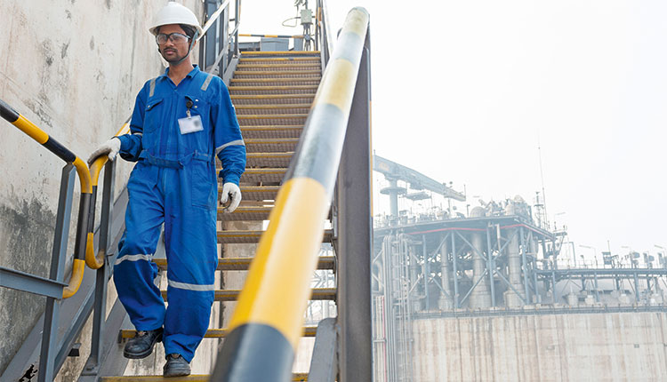 Shell to buy out Total in Hazira LNG terminal